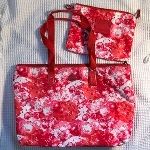 Hot pink fuchsia red COACH FLoRal Bag w snap pouch